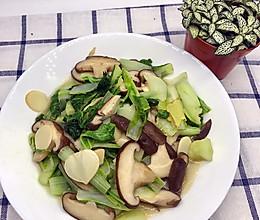 白菜炒香菇的做法