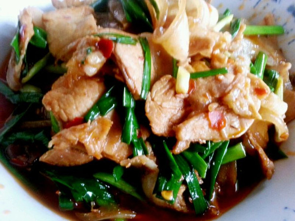 李孃孃爱厨房之——蒜苗炒回锅肉(川菜)的做法