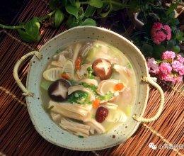 #餐桌上的春日限定#猪肚汤的做法
