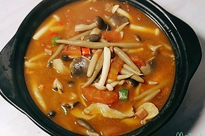 番茄菌菇莜面鱼鱼