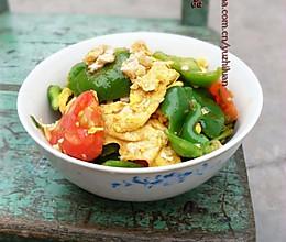 西红柿青椒炒鸡蛋的做法