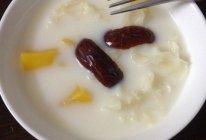 银耳红枣木瓜炖奶的做法