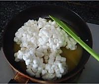 一吃停不了口的---棉花糖版牛轧糖的做法图解3