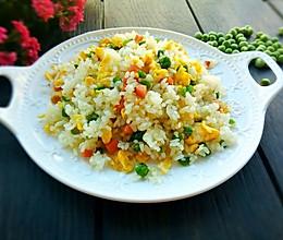 豌豆火腿肠蛋炒饭的做法