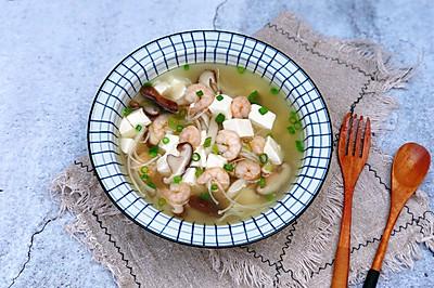 菌菇虾仁豆腐汤