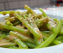 营养蔬菜新做法~麻酱茼蒿的做法