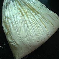 分蛋海绵小纸杯蛋糕#长帝烘焙节#的做法图解8