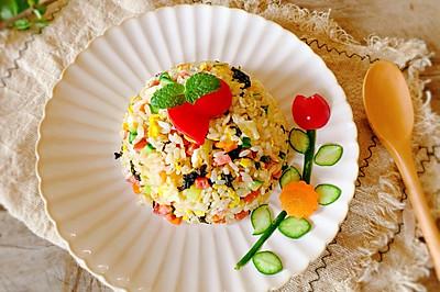 剩米饭的新吃法-海苔香肠蛋炒饭