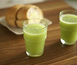 芹菜猕猴桃梨汁的做法