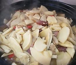 冬笋炖腊肉的做法