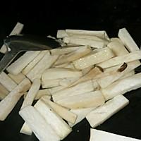 排骨汁炒鸡腿菇的做法图解4