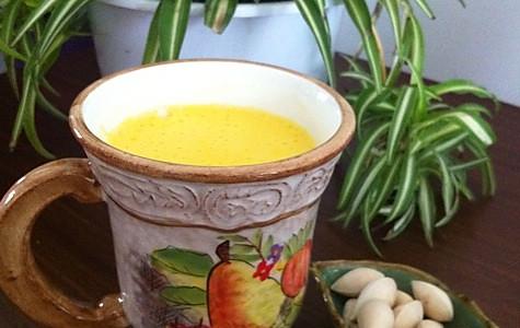养生润燥饮品之百合银耳白果汁的做法