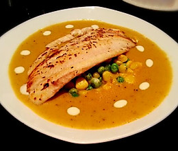 香煎罗非鱼配咖喱汤的做法