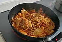 韩式泡面炒年糕的做法