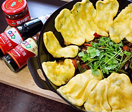 主食和菜一起吃的黄金饼地锅鸡的做法