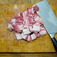 咸青梅红烧肉的做法图解1