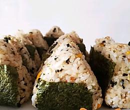 日式三角饭团的做法