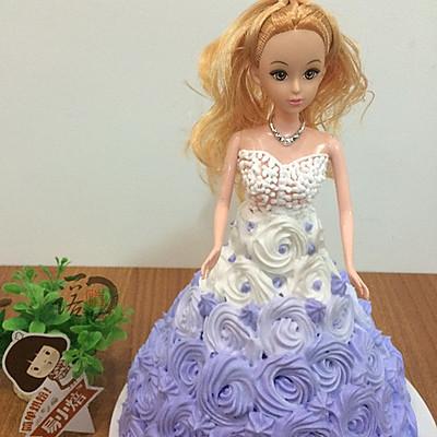 爱上易小焙从芭比娃娃蛋糕开始