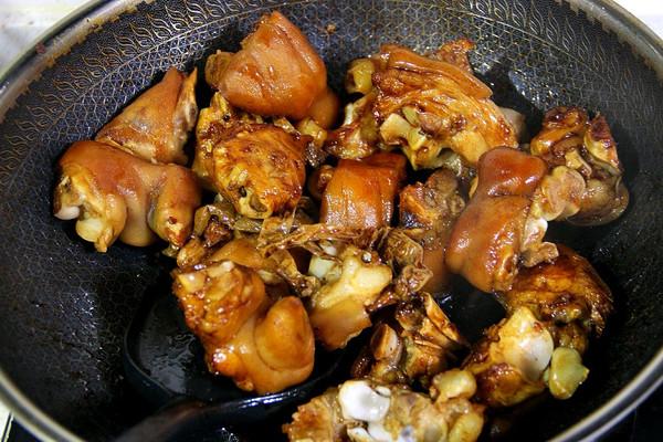 下饭神器——辣烧猪蹄