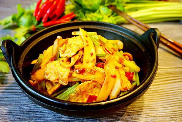 超级下饭的干锅杏鲍菇的做法