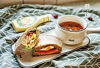 十五分钟就能做出一碗惊艳的『建莲红枣汤』+满分三明治的做法