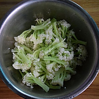 番茄木耳炒菜花#樱花味道#的做法图解4