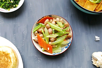 凉拌芹菜花生米(家常小咸菜系列四)