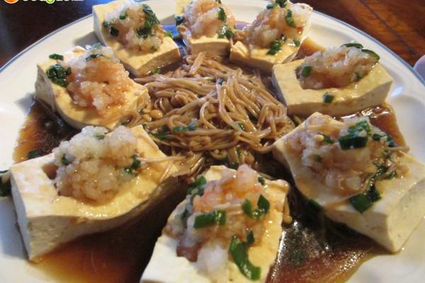 鲜虾卧豆腐的做法
