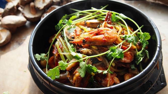 狂野香辣干锅虾煲的做法