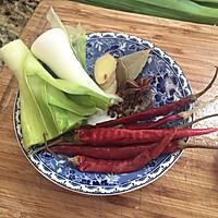 新疆菜-胡辣羊蹄的做法图解2