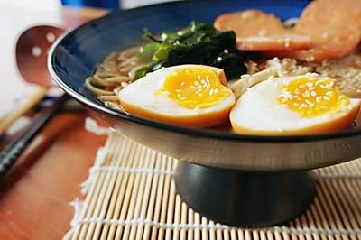 日式猪骨汤味噌拉面