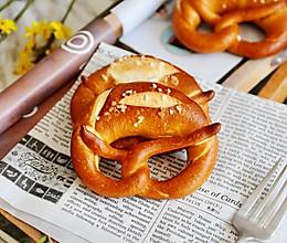 布雷结Brezel#美味烤箱菜,就等你来做!#的做法