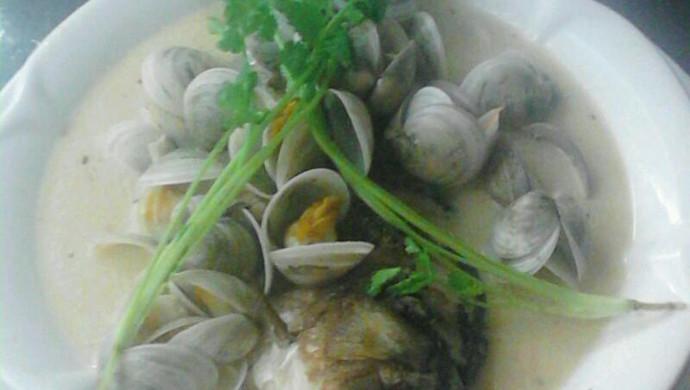 河鲫鱼蛤蜊汤