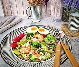 #入秋滋补正当时#健康早餐:藜麦沙拉的做法