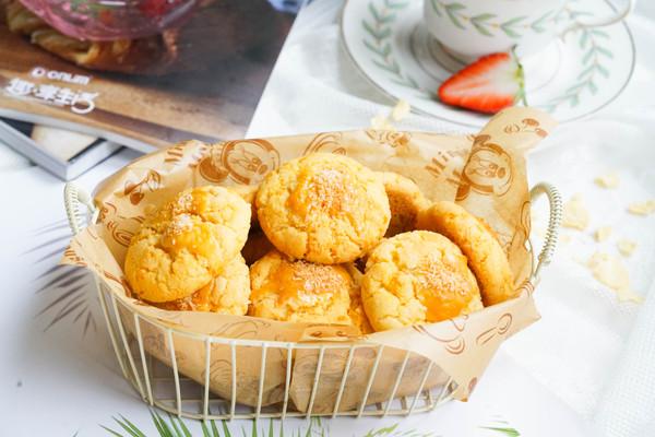 椰香咸蛋黄酥饼的做法
