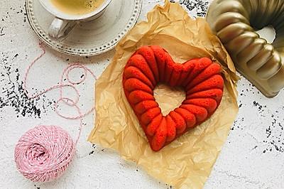 椰香红丝绒爱心蛋糕