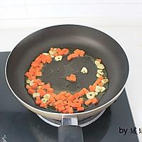 虾仁芝士焗饭的做法图解2