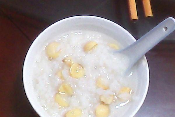 莲子粥的做法