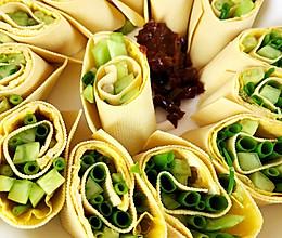 #精品菜谱挑战赛#豆腐皮菜卷的做法