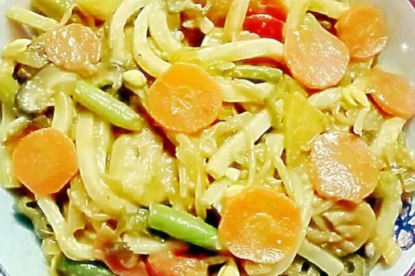 印尼咖喱时蔬菜乌冬面的做法
