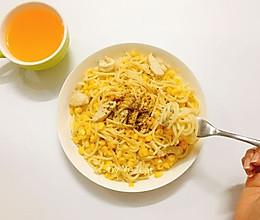 奶油鸡肉玉米意面的做法