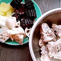 黑玉米莲藕排骨汤的做法图解3