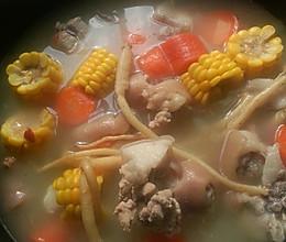 豬骨玉米蘿蔔湯的做法