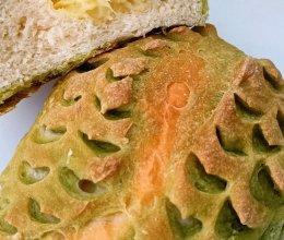 #奈特兰草饲营养美味#青汁榴莲面包的做法