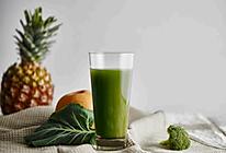 绿林豪杰|西兰花羽衣甘蓝菠萝汁的做法