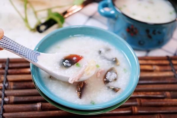 暖胃驱寒的皮蛋瘦肉粥的做法