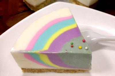 彩虹酸奶慕斯蛋糕
