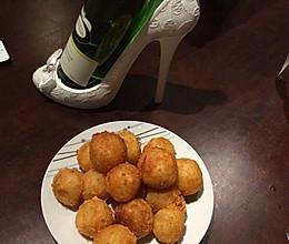 土豆的华丽变身-外酥里软超级美味的夹心土豆球的做法