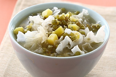 绿豆银耳红薯粥