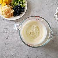 不打蛋没冰渣的酸奶水果冰激淋的做法图解4